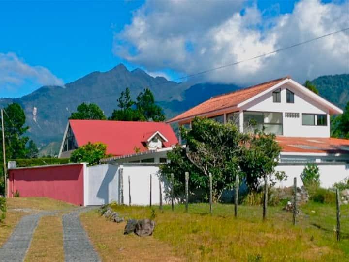 Casa Blanca Volcan - Luxury Home