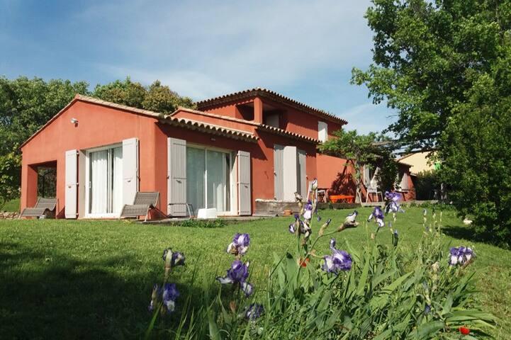 Villa avec piscine en campagne Aix en Provence