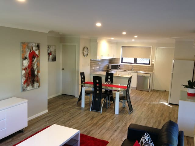 Short or Long Term Furnished Apartment Rental