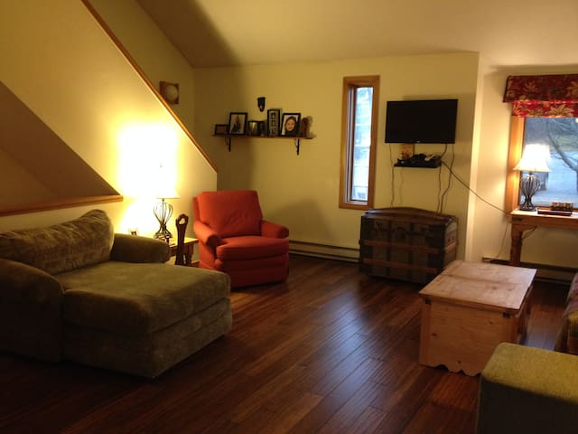 Condo at Mount Snow Resort VT - Dover - Apartemen