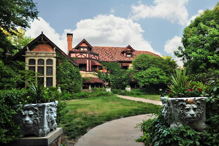 Historic Gothic Tudor Mansion Inn