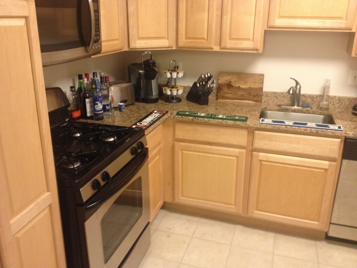 One Bedroom Apt. Chevy Chase, MD   Apartments For Rent In Chevy Chase,  Maryland, United States