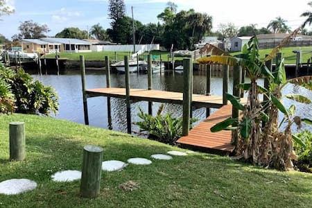 Riverfront home in port st Lucie with private dock