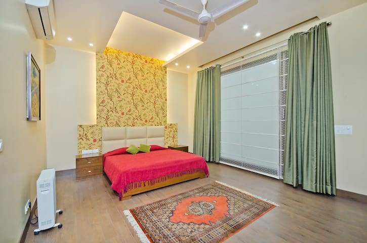 Bed & Breakfast Home Stay - New Delhi