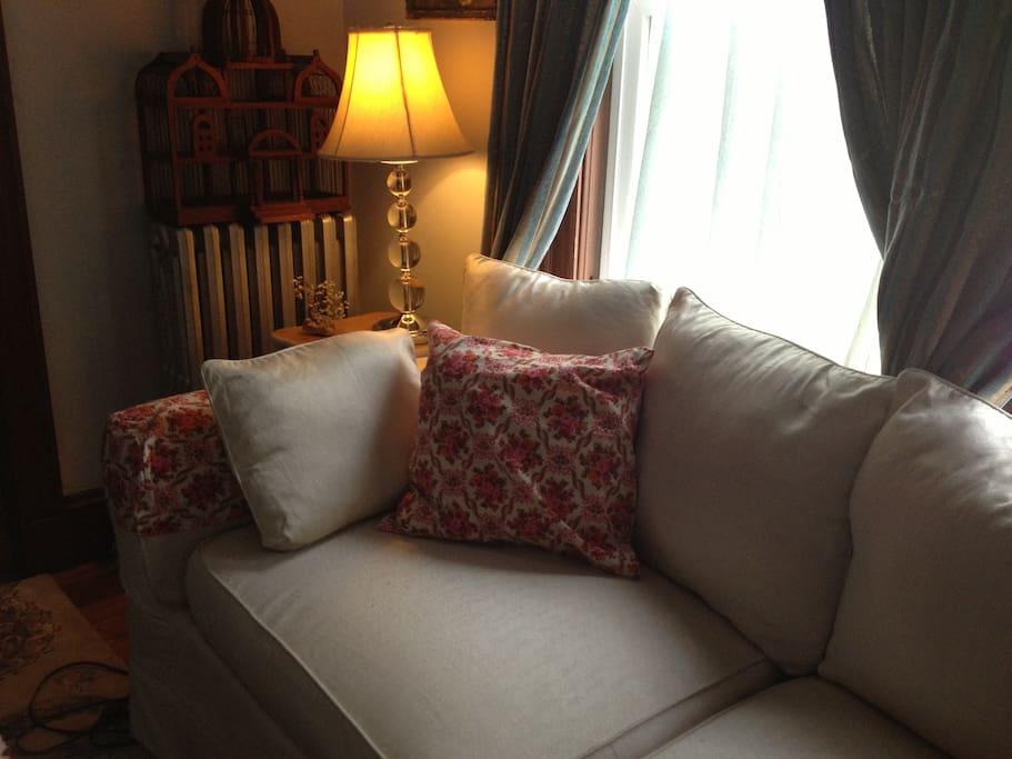comfy sofa for reading