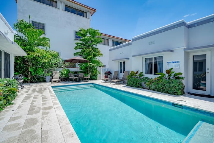 HOUSE POOL BBQ PARKING 100 YARDS FROM THE BEACH 2