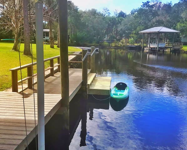 Old Homosassa Waterfront Retreat