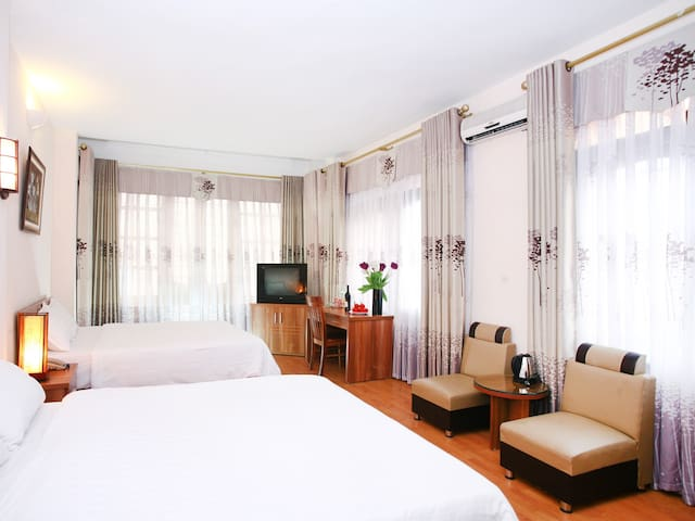 Especen hotel: Family room +balcony - Hanoi - House