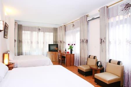 Especen hotel: Family room +balcony - Hanói