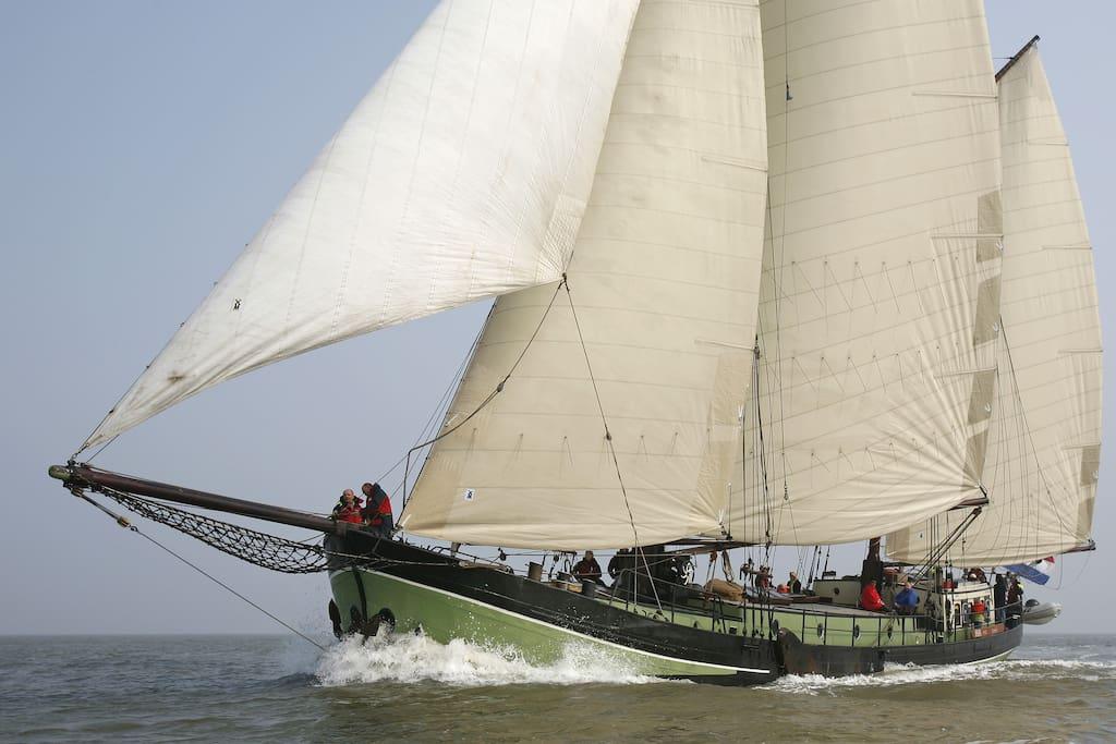 Sailingship Isis
