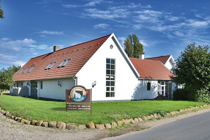 Comfortable Lodge right on the sea! - Ebberup - Bed & Breakfast