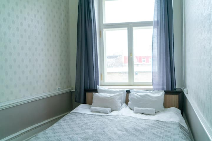 Small comfy double room in the heart of Old Town