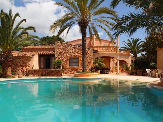 SA MARINA, chalet with pool and garden. - มานาคอร์ - วิลล่า