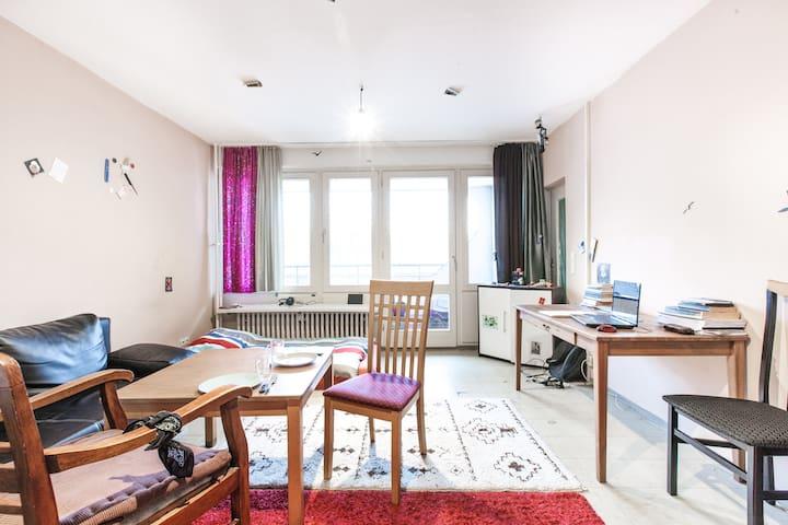 Very Central, Cozy, Huge Room