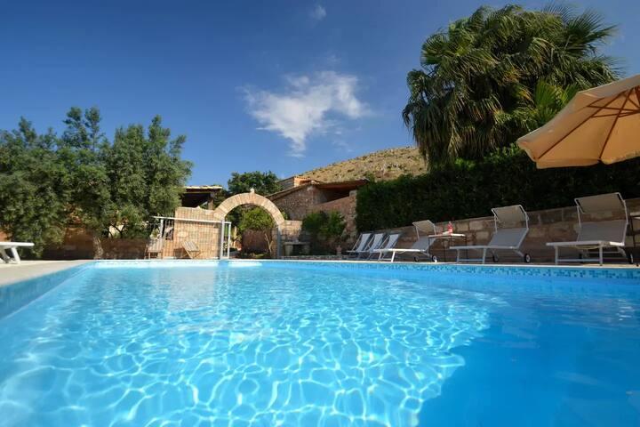 Baglio Poma, Castelluzzo, 4 posti letto, piscina