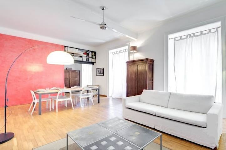 Large and bright apartment with views of Coliseum - Rome - Apartment