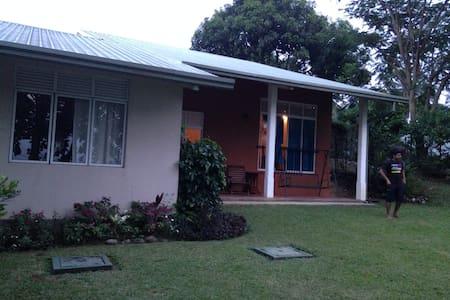 3 Bedroom Villa in Digana, Kandy - キャンディ