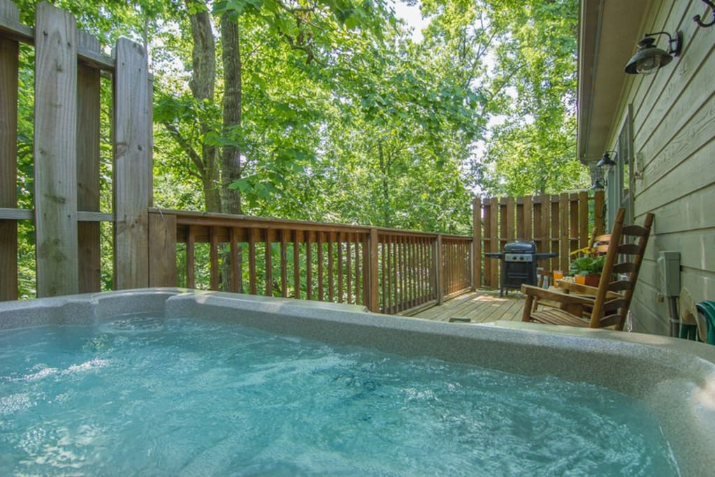 Beautiful Large Private Hot Tub