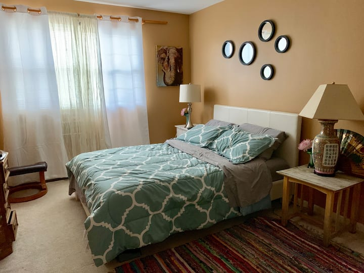 Spacious Bedroom in Cozy two Bedrooms condominium