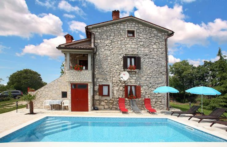 Rustic Villa Volta with  pool - Labin - Vila