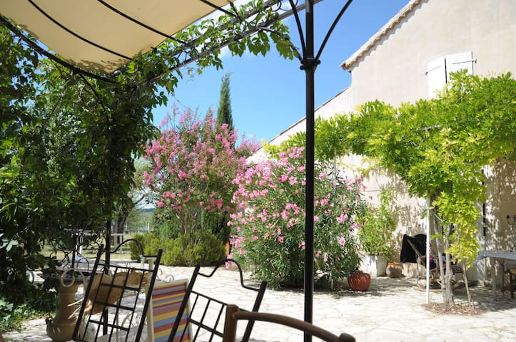 Une maison dans le Luberon Provence