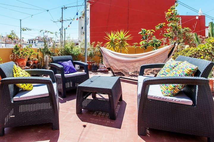 Sunny Ruzafa Rooftop Garden