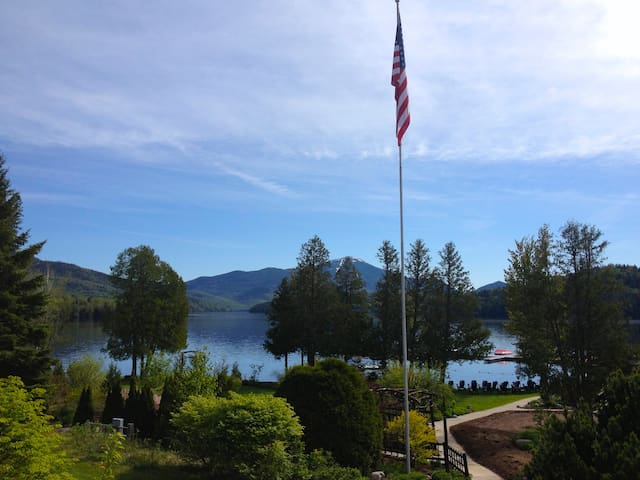 Ski & Stay...Luxury Condo, located on Lake Placid!
