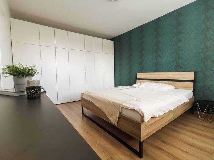 Modern brand new apartment, 8 min to city center,