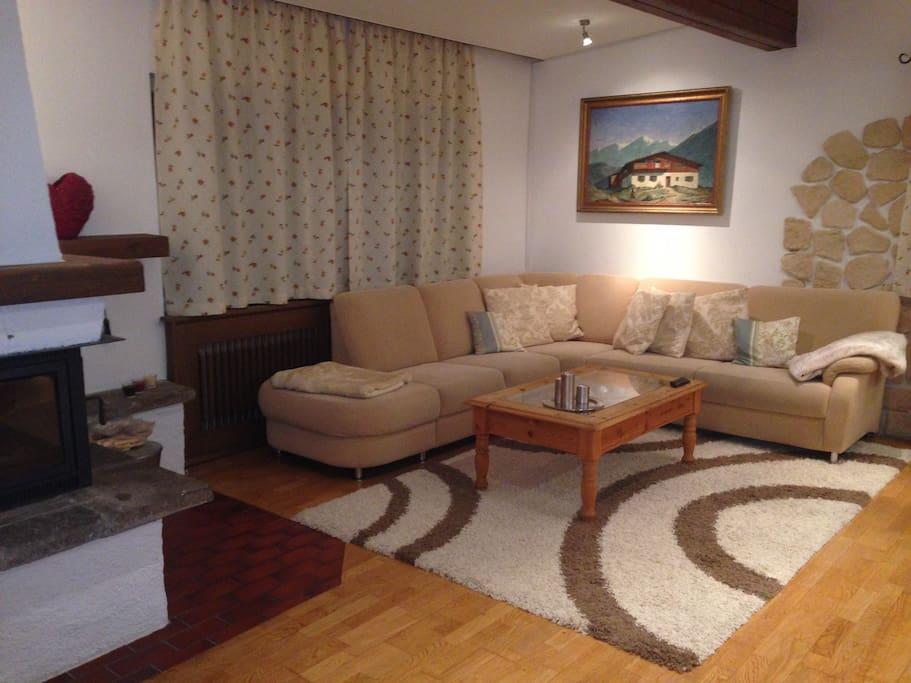 Wohnzimmer 1 mit gemütlicher Sitzecke