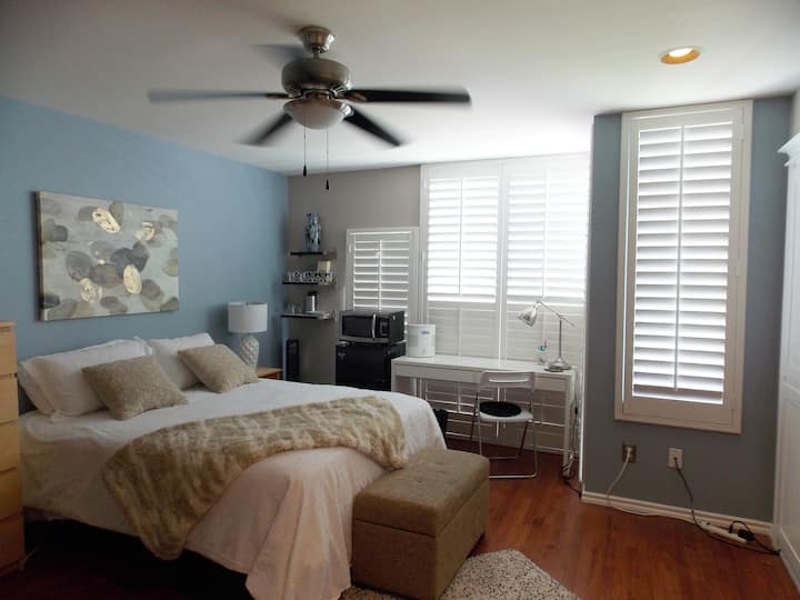 Perfect master room for your extended stay!