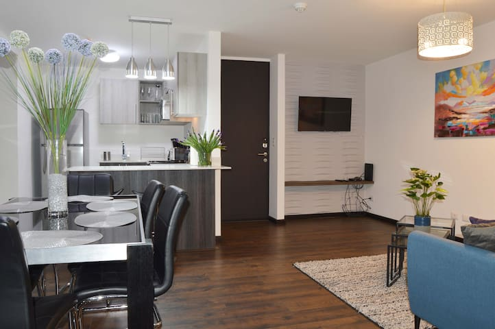 Luxury Modern Apt w/ Great City Views near DT