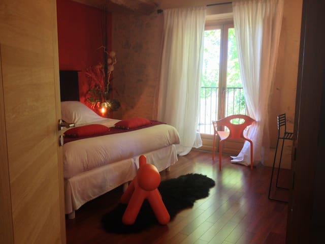 SO-ARTS, Chambre Corail, 2 pers - Les Esseintes