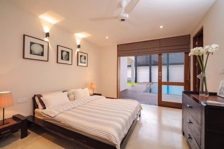 Private Room in Waterfront Villa