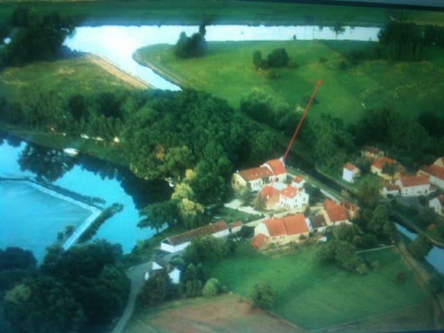 Ostfrankreich an der Saône - Soing-Cubry-Charentenay - House