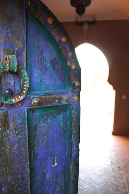 Porte d'entrée.