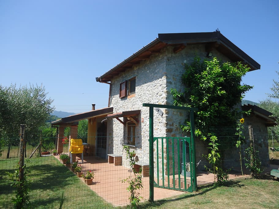 Nice villa close to cinque terre houses for rent in for Rent a home in italy