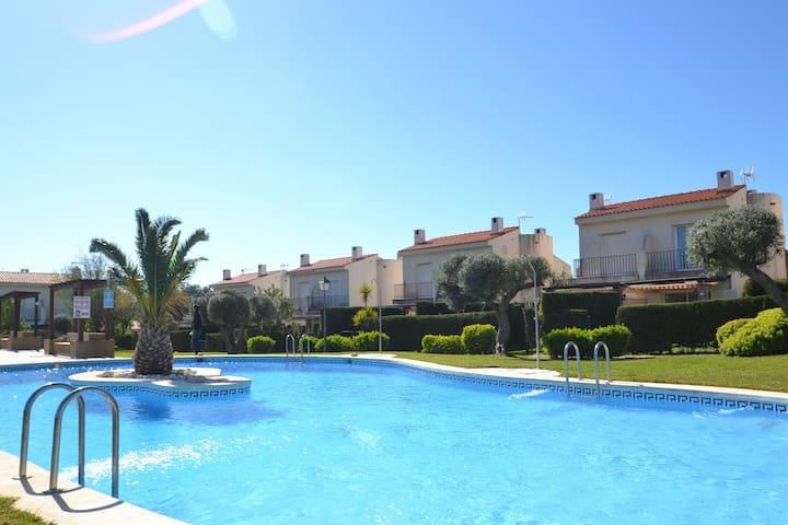 Tres calas 19 villas en alquiler en ametlla de mar - Apartamentos particulares en salou ...
