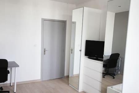 Grande chambre au plus petit prix - ルーベ