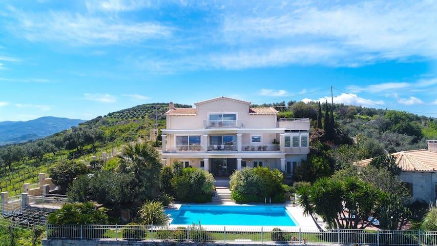 Luxury Villa Allure