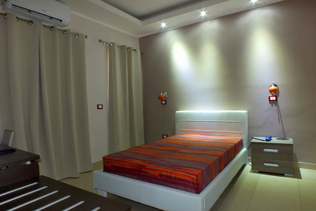Modern hotel 9 room near the sea bed breakfasts zur for Design hotel sizilien
