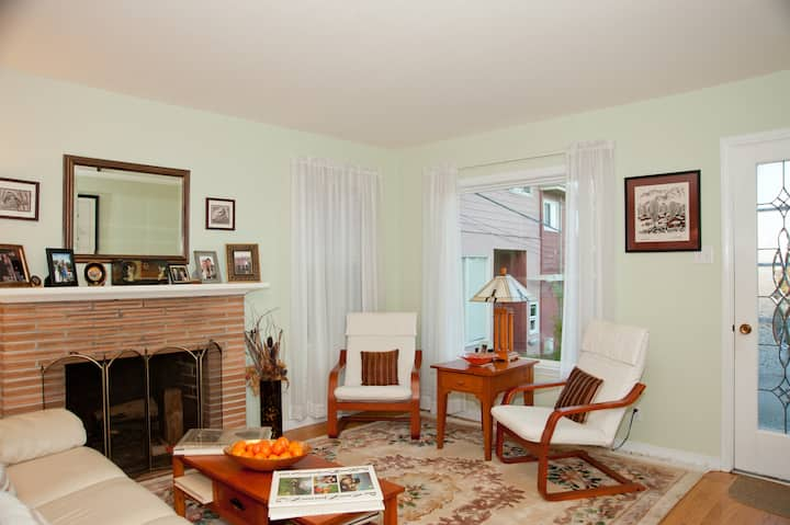 Welcoming SF Peninsula Room for You