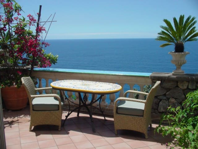 PANORAMA-LUXURY STUDIO IN POSITANO