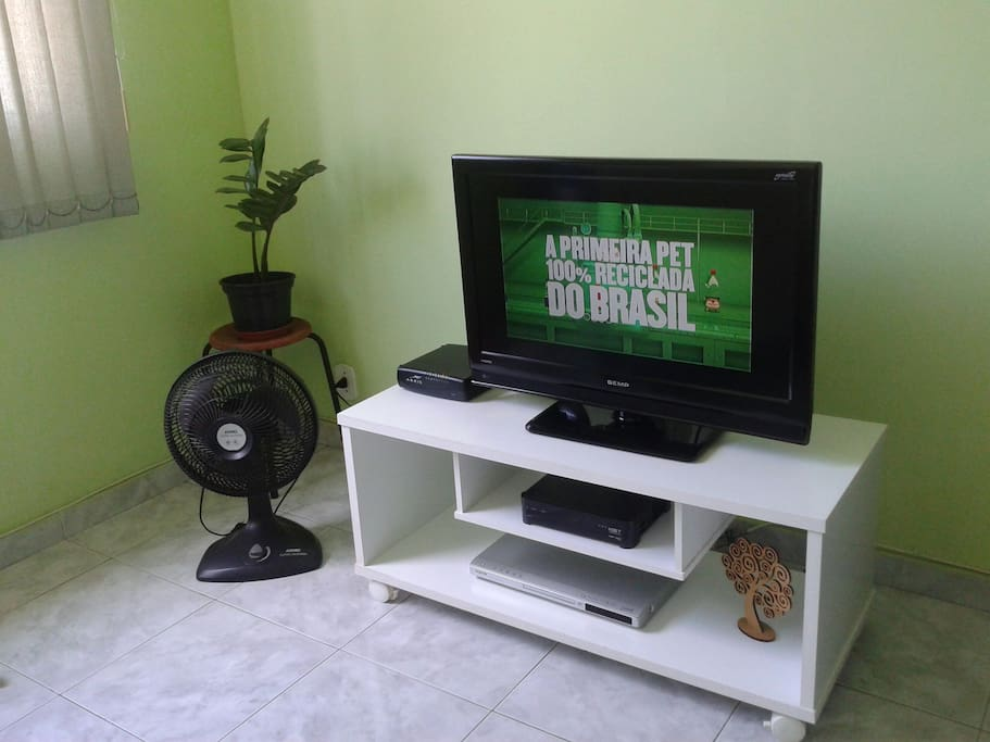 Tv a cabo, wifii, tv LCD 32, Dvd player