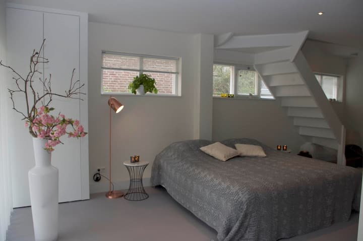 Luxury Loft at Lake Volendam 20min from Amsterdam