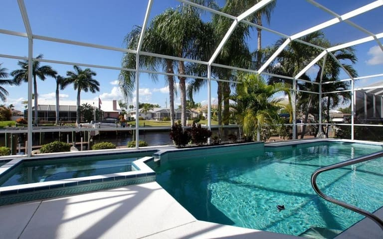 *** NEW *** Affordable waterfront Pool Home in Excellent Location