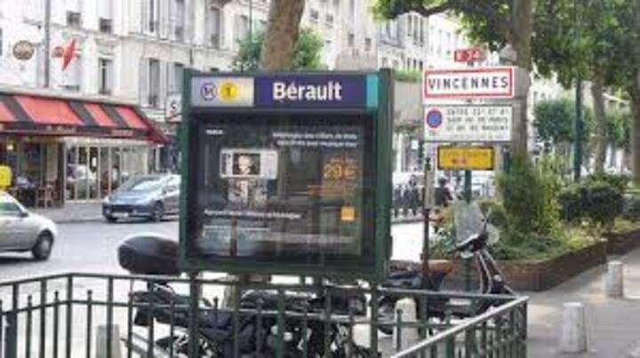 Studio à Coté du métro et du RER