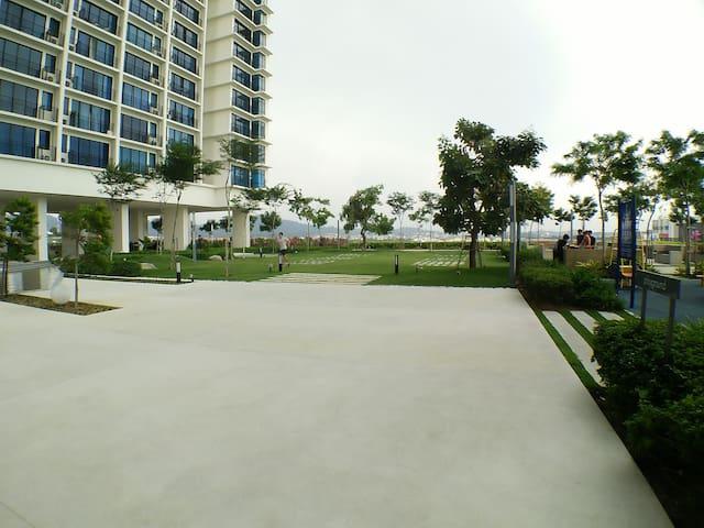 Euzmo Residence @ Trefoil Setia Alam - Shah Alam - Apartamento
