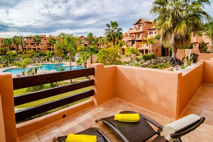 Delightful, contemporary 2, bed, 2 bath apt-SS1812 - Estepona - Apartament