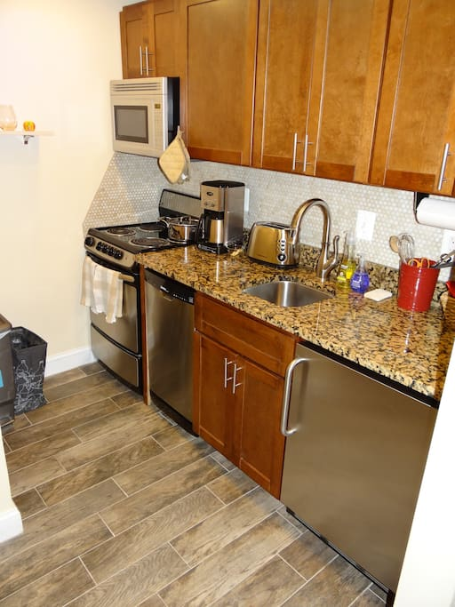 comfy english basement in walkable eckington apartments for rent in