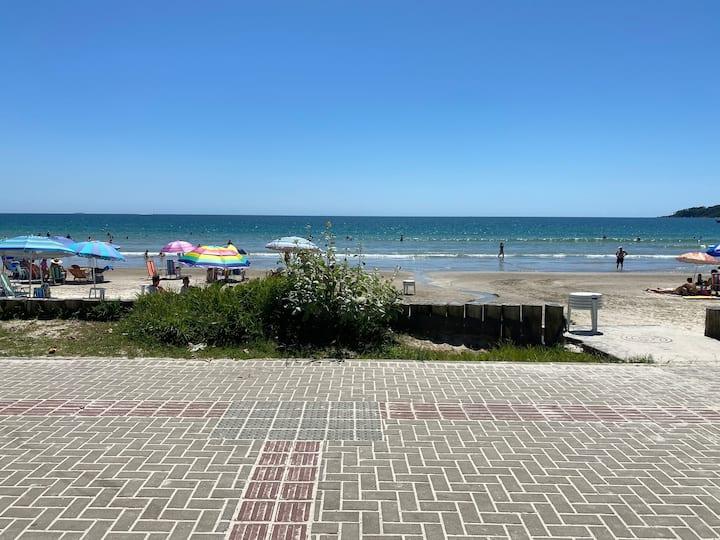 Lindo Apto, Bombas, Bombinhas SC, 50 mts da Praia